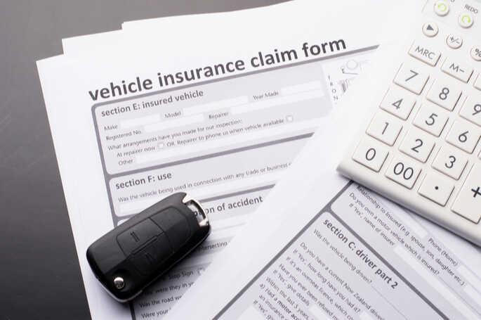 Asuransi Mobil – Jenis All Risk, TLO, dan Simulasi Hitung Premi