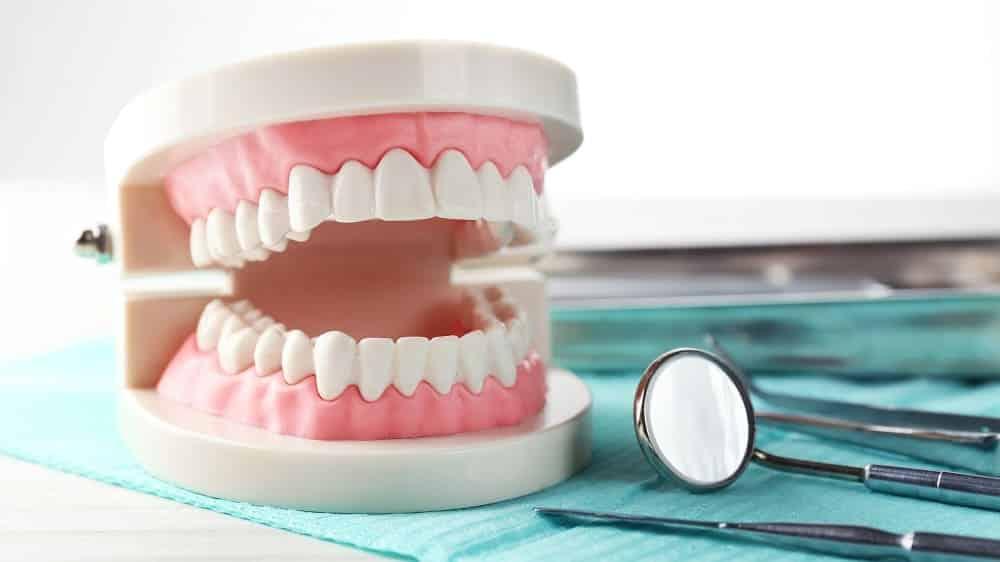 Biaya Pasang Gigi Palsu