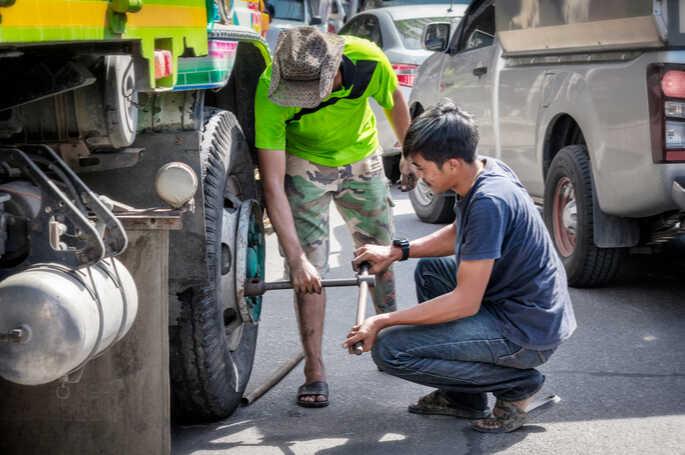 Baut Ban Mobil – Ukuran, Harga, dan Cara Memasangnya